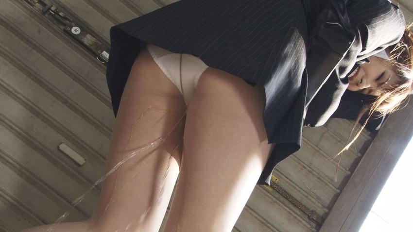 【大失禁エロ画像】綺麗なお姉さんが人前でお漏らし!放尿しながら調教セックスされてる大失禁のエロ画像集!ww【80枚】 44