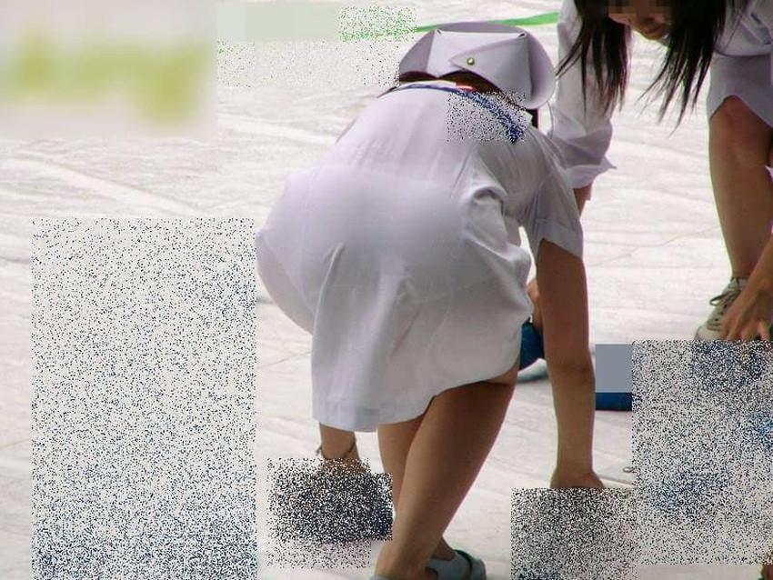 【透けパンツエロ画像】清楚なお嬢さんのスカートやズボンからパンティーが透けて丸見えよりも卑猥に見える透けパンツのエロ画像集!ww【80枚】 02