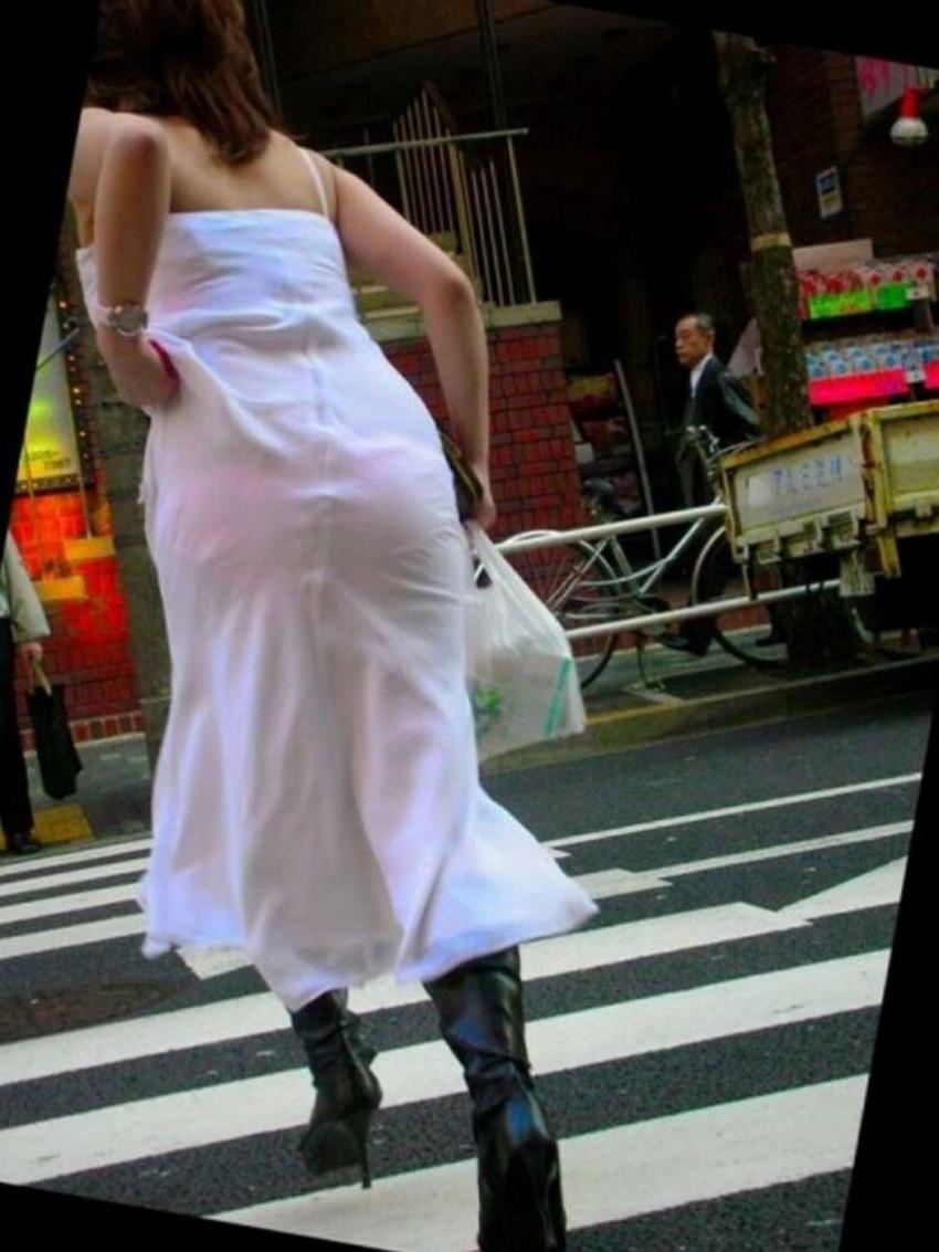 【透けパンツエロ画像】清楚なお嬢さんのスカートやズボンからパンティーが透けて丸見えよりも卑猥に見える透けパンツのエロ画像集!ww【80枚】 65