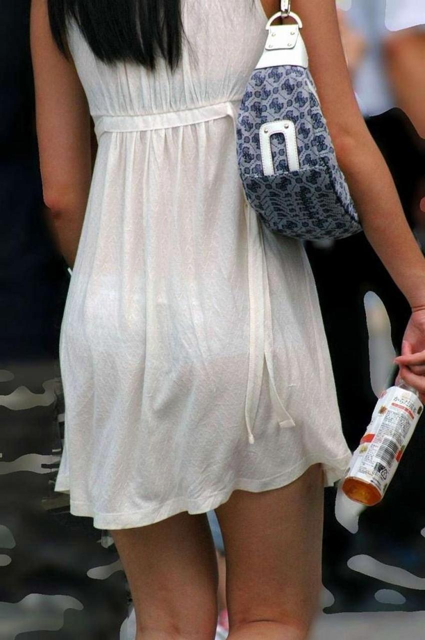 【透けパンツエロ画像】清楚なお嬢さんのスカートやズボンからパンティーが透けて丸見えよりも卑猥に見える透けパンツのエロ画像集!ww【80枚】 70