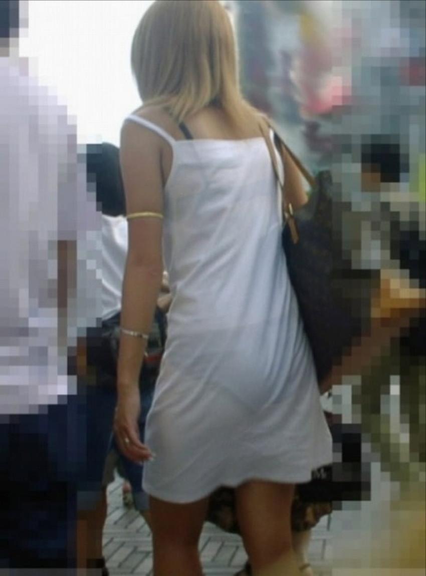 【透けパンツエロ画像】清楚なお嬢さんのスカートやズボンからパンティーが透けて丸見えよりも卑猥に見える透けパンツのエロ画像集!ww【80枚】 71