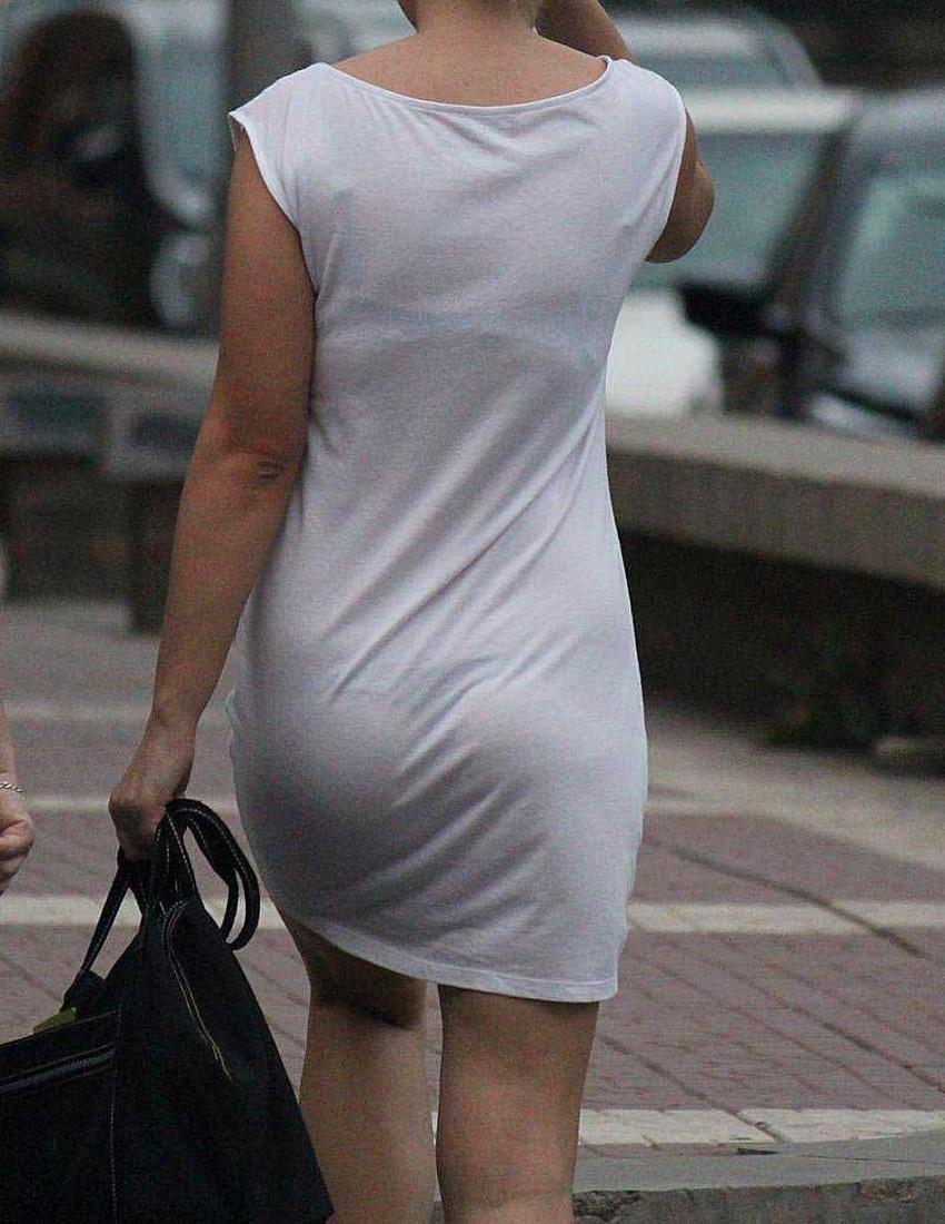 【透けパンツエロ画像】清楚なお嬢さんのスカートやズボンからパンティーが透けて丸見えよりも卑猥に見える透けパンツのエロ画像集!ww【80枚】 75