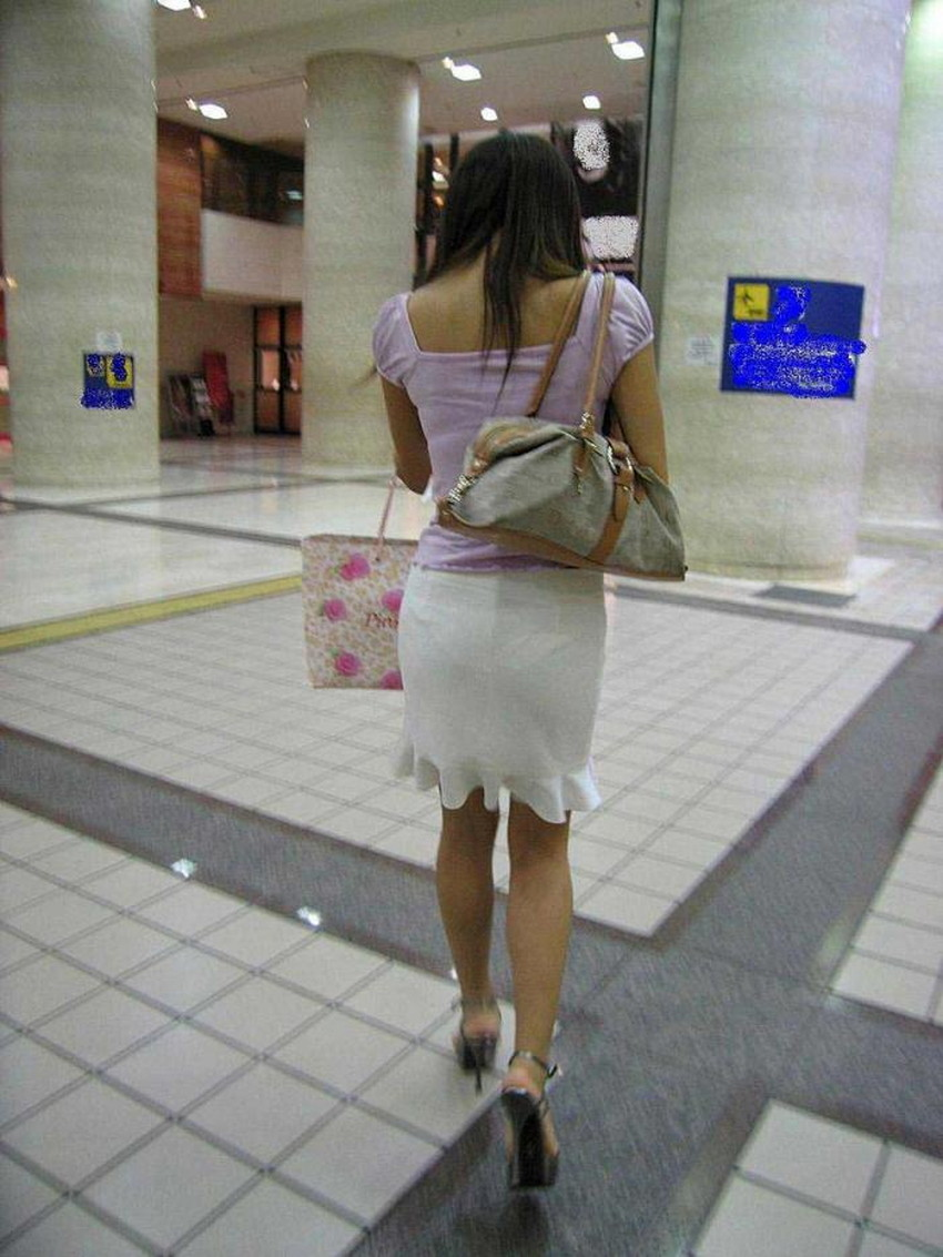 【透けパンツエロ画像】清楚なお嬢さんのスカートやズボンからパンティーが透けて丸見えよりも卑猥に見える透けパンツのエロ画像集!ww【80枚】 78