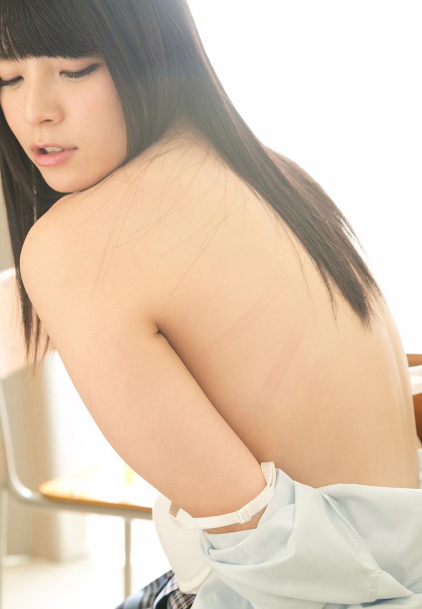 【背中フェチエロ画像】流線型がエロ過ぎる美女の美背中!!ww下から上に舐め上げたくなる美しい背中のエロ画像集!ww【80枚】 21