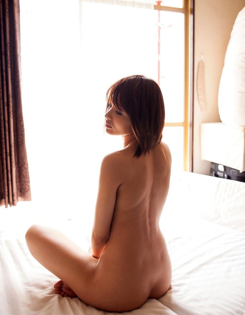 【背中フェチエロ画像】流線型がエロ過ぎる美女の美背中!!ww下から上に舐め上げたくなる美しい背中のエロ画像集!ww【80枚】 28