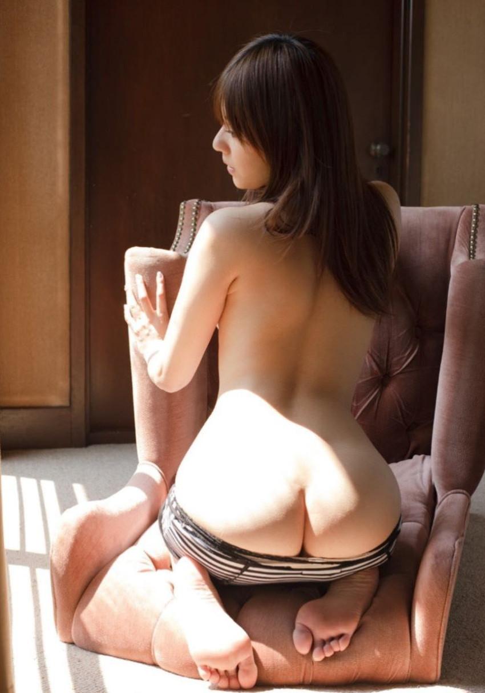 【背中フェチエロ画像】流線型がエロ過ぎる美女の美背中!!ww下から上に舐め上げたくなる美しい背中のエロ画像集!ww【80枚】 41