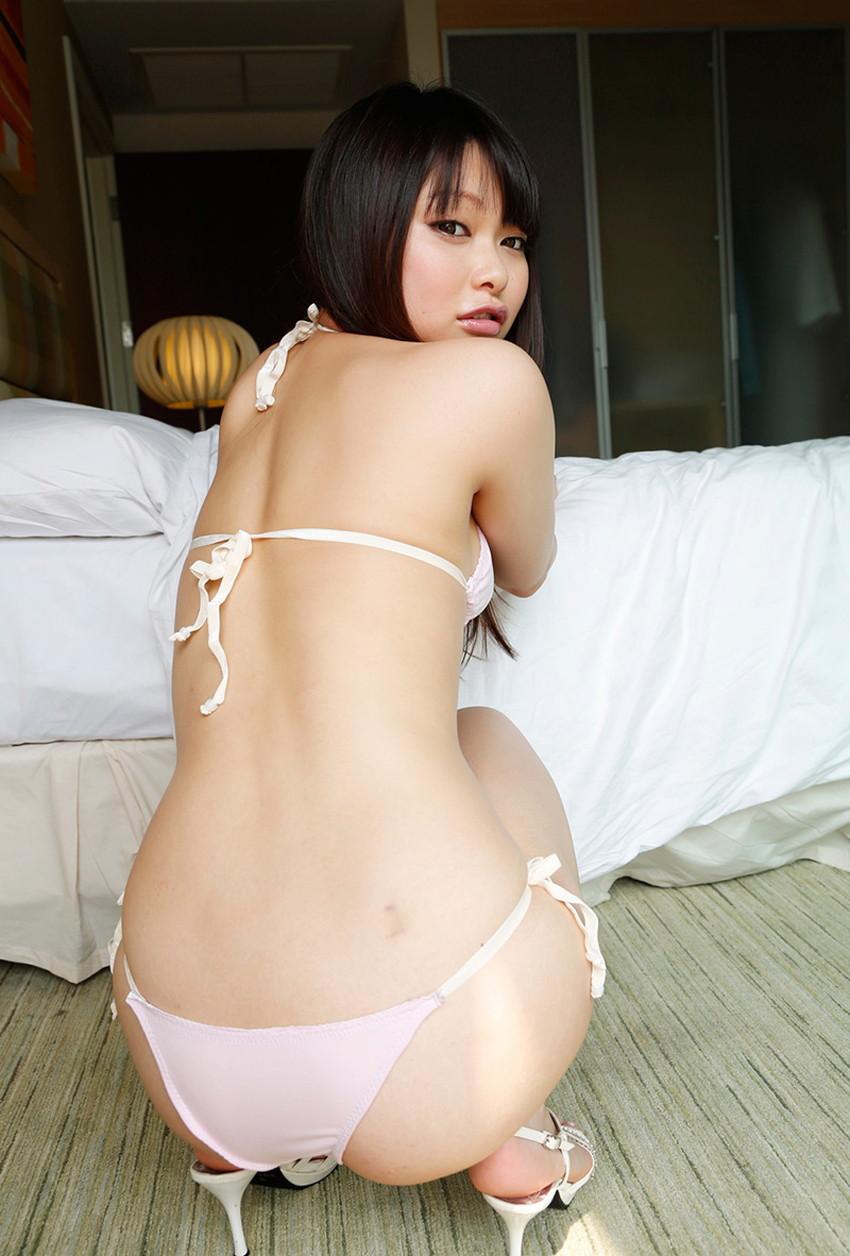 【背中フェチエロ画像】流線型がエロ過ぎる美女の美背中!!ww下から上に舐め上げたくなる美しい背中のエロ画像集!ww【80枚】 51