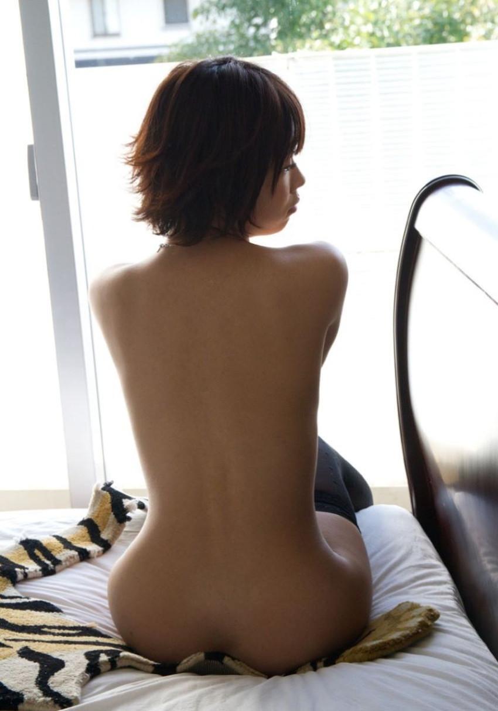 【背中フェチエロ画像】流線型がエロ過ぎる美女の美背中!!ww下から上に舐め上げたくなる美しい背中のエロ画像集!ww【80枚】 59