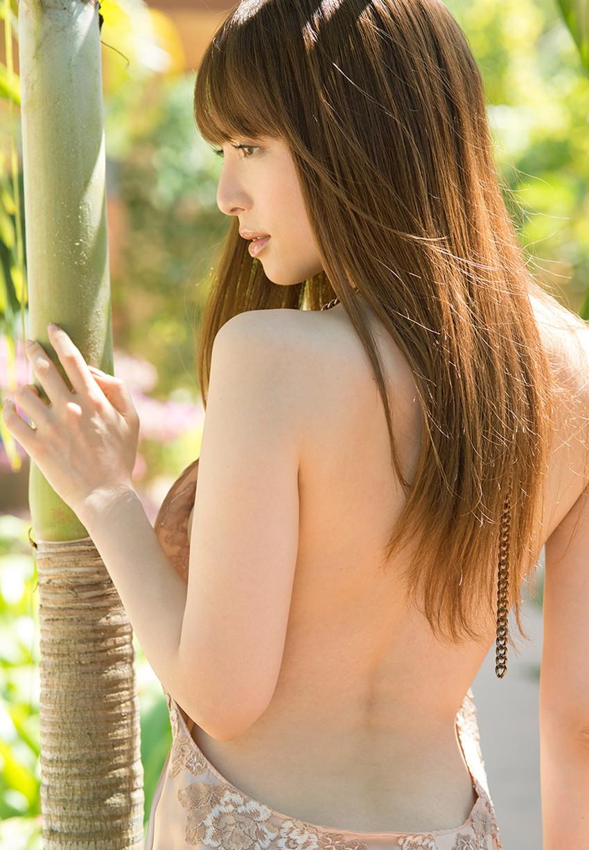 【背中フェチエロ画像】流線型がエロ過ぎる美女の美背中!!ww下から上に舐め上げたくなる美しい背中のエロ画像集!ww【80枚】 60