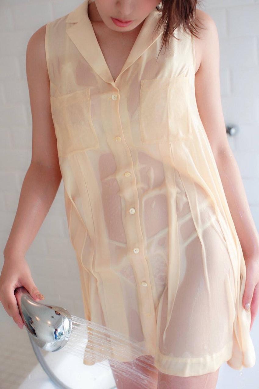 【濡れ透け下着エロ画像】シャワーや豪雨で下着まで透けて陰毛や乳首が丸見えになってる濡れ透け下着のエロ画像集!ww【80枚】 36