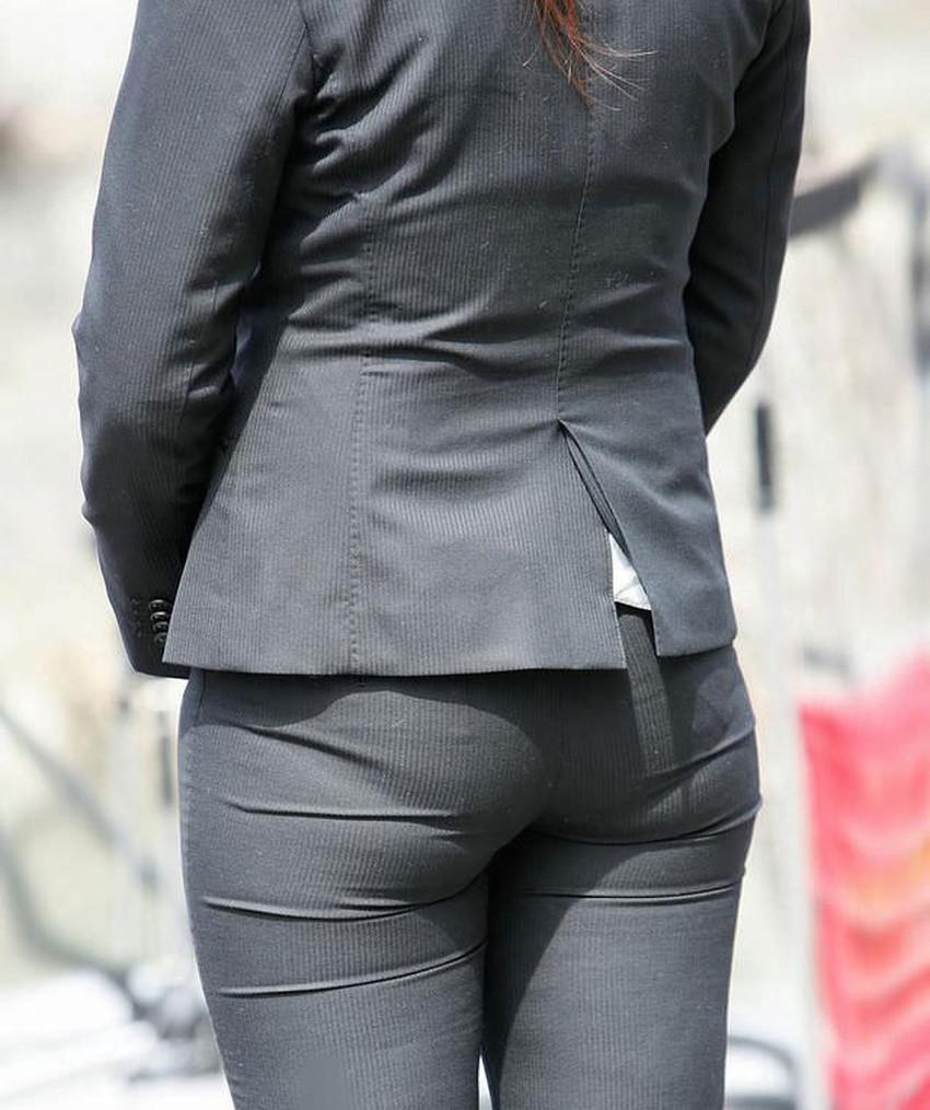 【パンツの線エロ画像】パンティーラインがくっきり見えるズボンやスカートを履いた素人女子を尾行盗撮してるパンツの線のエロ画像集!w【80枚】 37