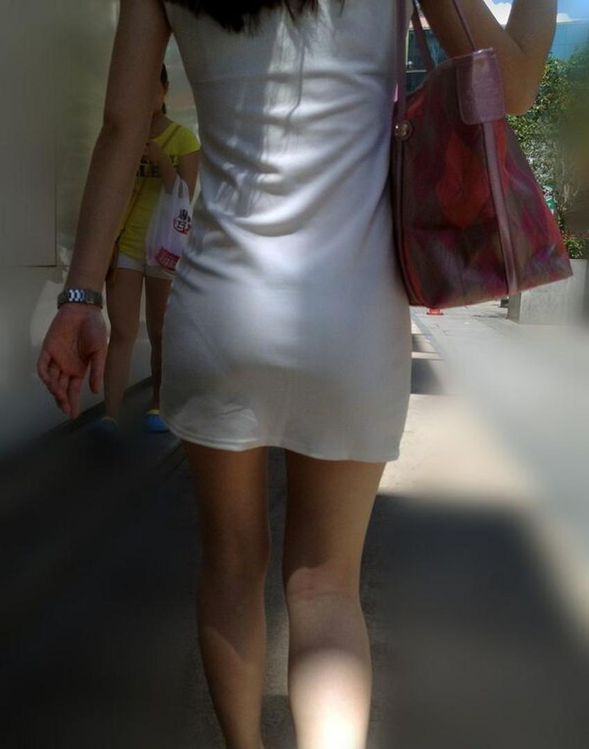 【パンツの線エロ画像】パンティーラインがくっきり見えるズボンやスカートを履いた素人女子を尾行盗撮してるパンツの線のエロ画像集!w【80枚】 51