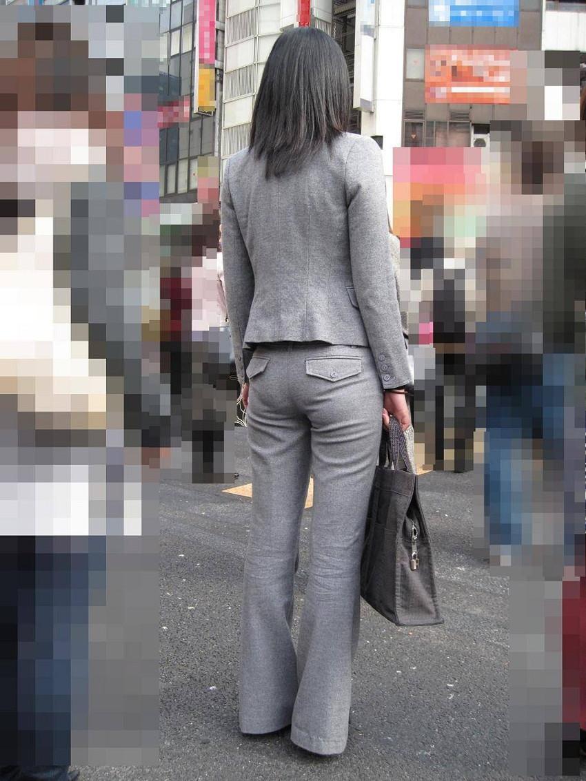 【パンツの線エロ画像】パンティーラインがくっきり見えるズボンやスカートを履いた素人女子を尾行盗撮してるパンツの線のエロ画像集!w【80枚】 53