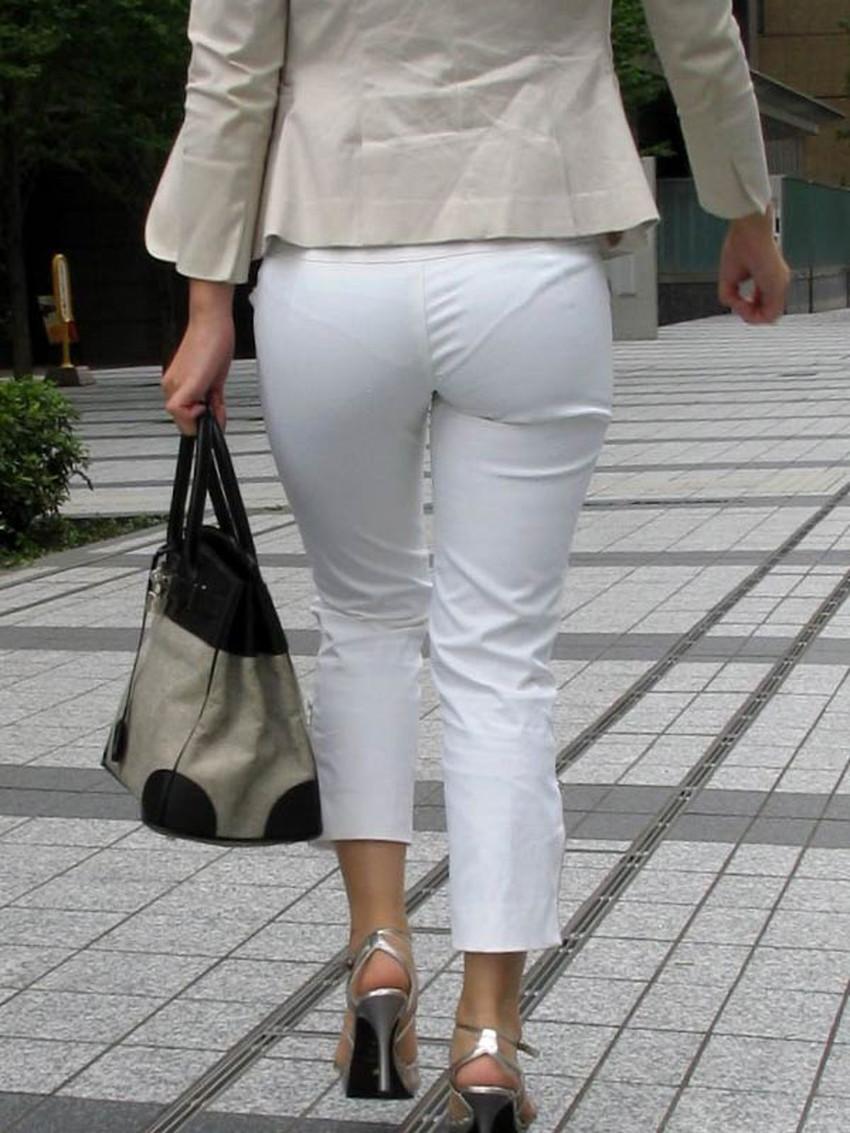 【パンツの線エロ画像】パンティーラインがくっきり見えるズボンやスカートを履いた素人女子を尾行盗撮してるパンツの線のエロ画像集!w【80枚】 65