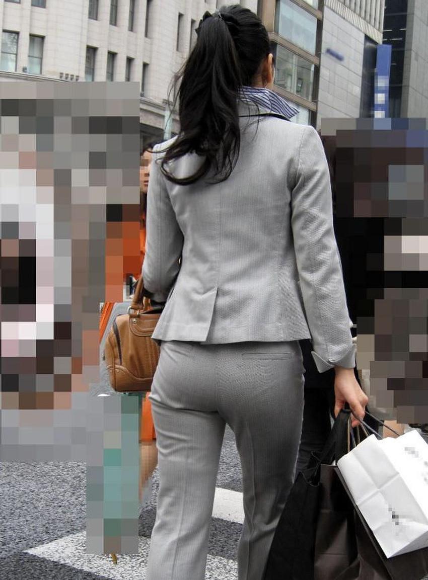【パンツの線エロ画像】パンティーラインがくっきり見えるズボンやスカートを履いた素人女子を尾行盗撮してるパンツの線のエロ画像集!w【80枚】 69