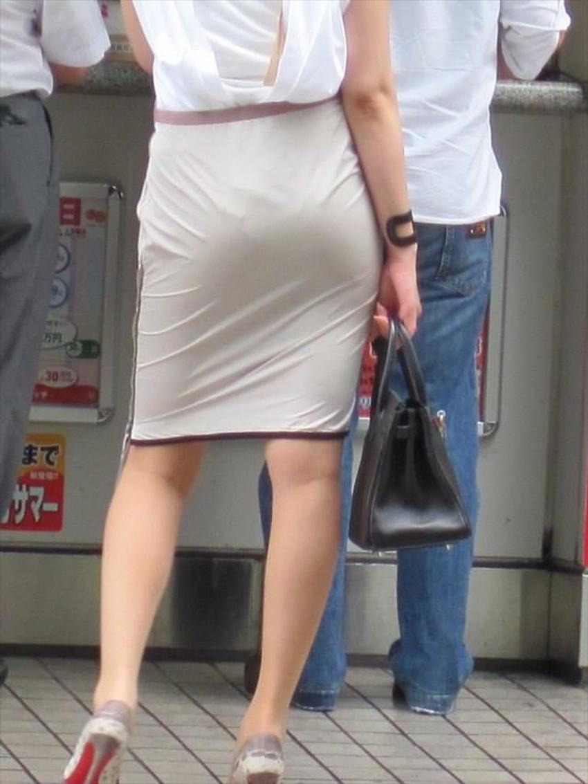 【パンツの線エロ画像】パンティーラインがくっきり見えるズボンやスカートを履いた素人女子を尾行盗撮してるパンツの線のエロ画像集!w【80枚】 71