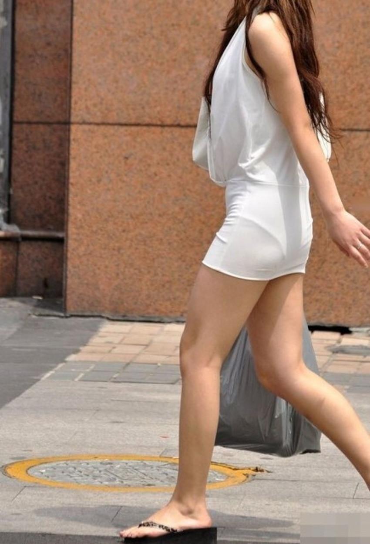 【ミニスカワンピエロ画像】ミニスカワンピ女子のパンチラを覗いたり服の中に手を突っ込み着衣セックスしてるミニスカワンピのエロ画像集!ww【80枚】 09