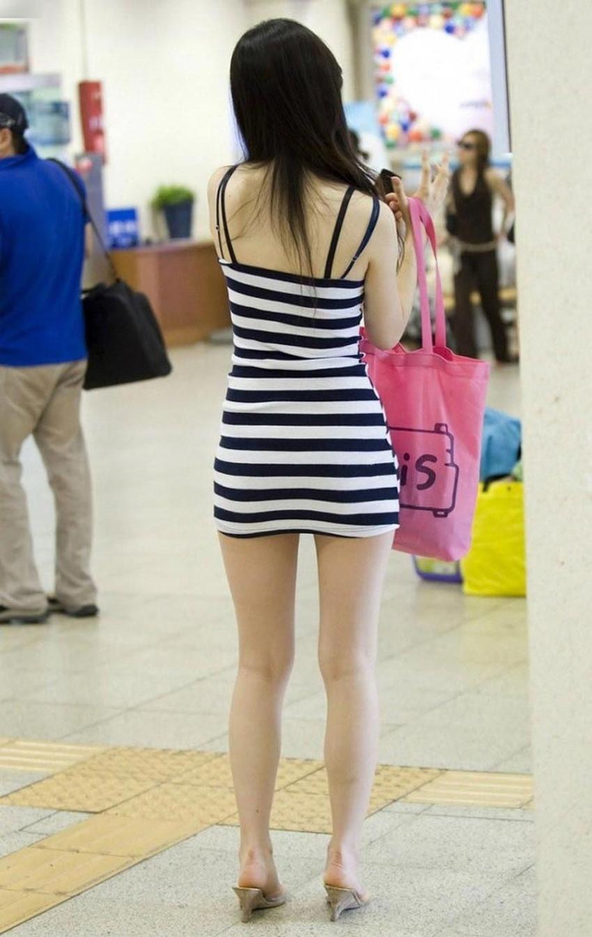 【ミニスカワンピエロ画像】ミニスカワンピ女子のパンチラを覗いたり服の中に手を突っ込み着衣セックスしてるミニスカワンピのエロ画像集!ww【80枚】 17