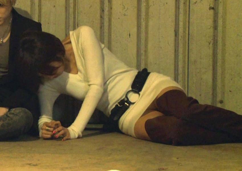 【ミニスカワンピエロ画像】ミニスカワンピ女子のパンチラを覗いたり服の中に手を突っ込み着衣セックスしてるミニスカワンピのエロ画像集!ww【80枚】 47