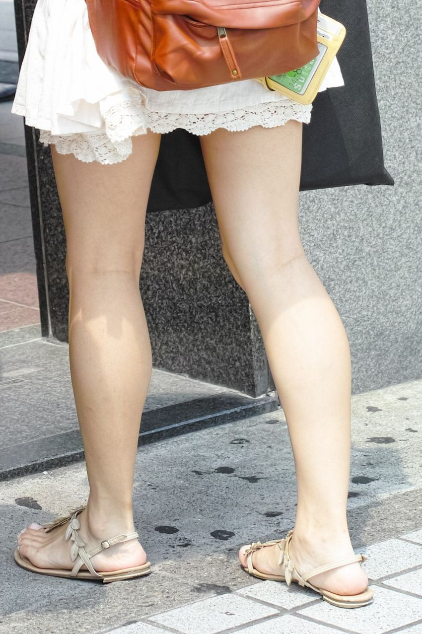 【ミニスカワンピエロ画像】ミニスカワンピ女子のパンチラを覗いたり服の中に手を突っ込み着衣セックスしてるミニスカワンピのエロ画像集!ww【80枚】 53