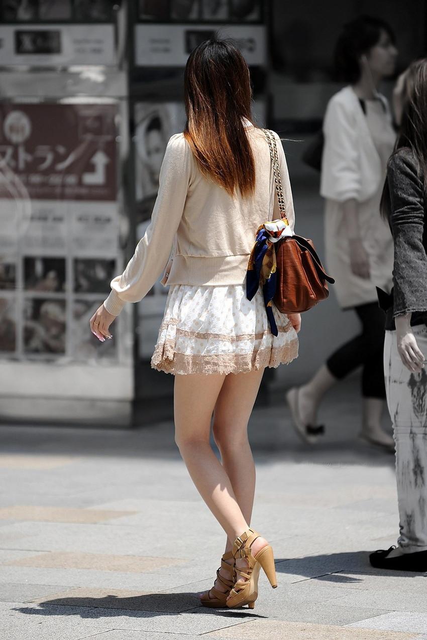 【ミニスカワンピエロ画像】ミニスカワンピ女子のパンチラを覗いたり服の中に手を突っ込み着衣セックスしてるミニスカワンピのエロ画像集!ww【80枚】 64
