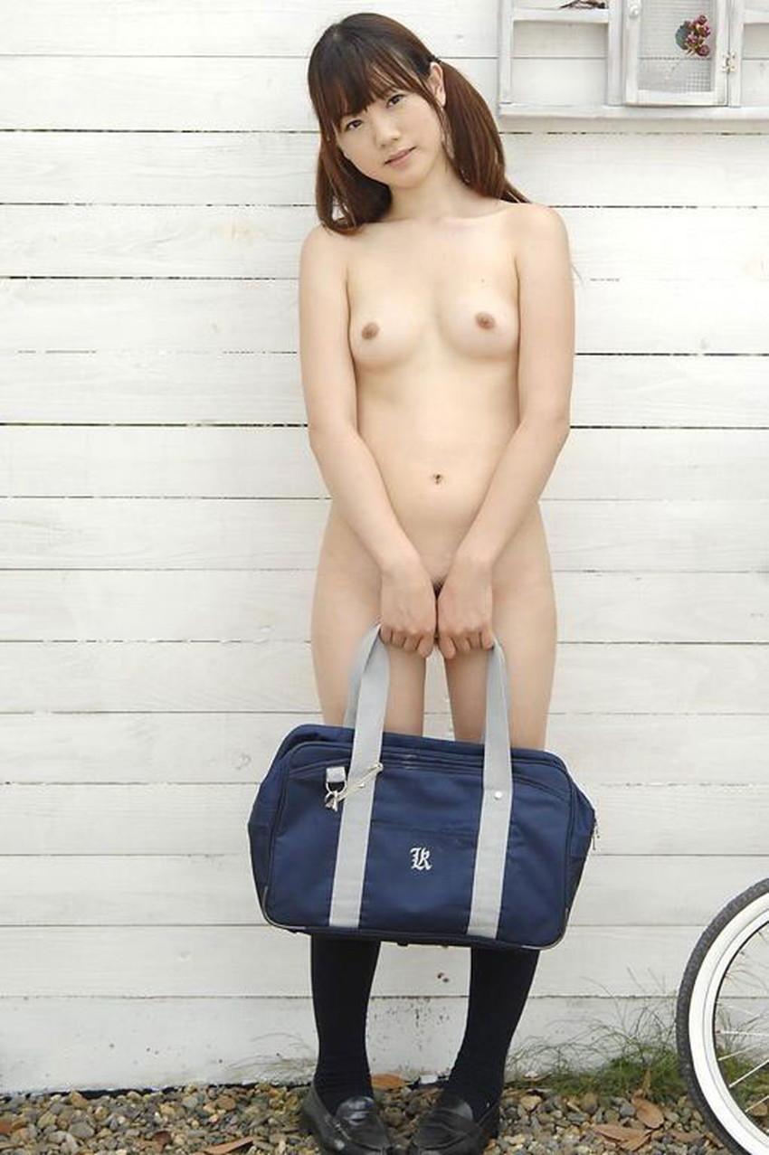 【ハイソックス女子エロ画像】清楚なイメージのハイソックスで美少女に足コキさせてザーメンぶっかけてるハイソックス女子のエロ画像集!ww【80枚】 35