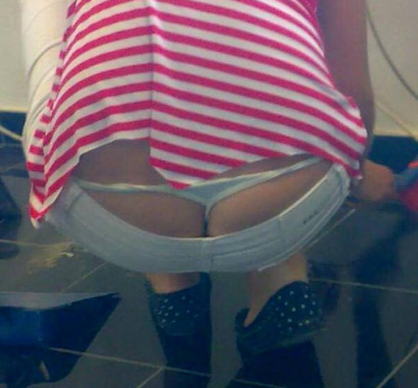 【Tバックハミパンエロ画像】美女のハミパン覗いたらTバックだったというラッキー過ぎるTバックハミパンのエロ画像集!ww【80枚】 06