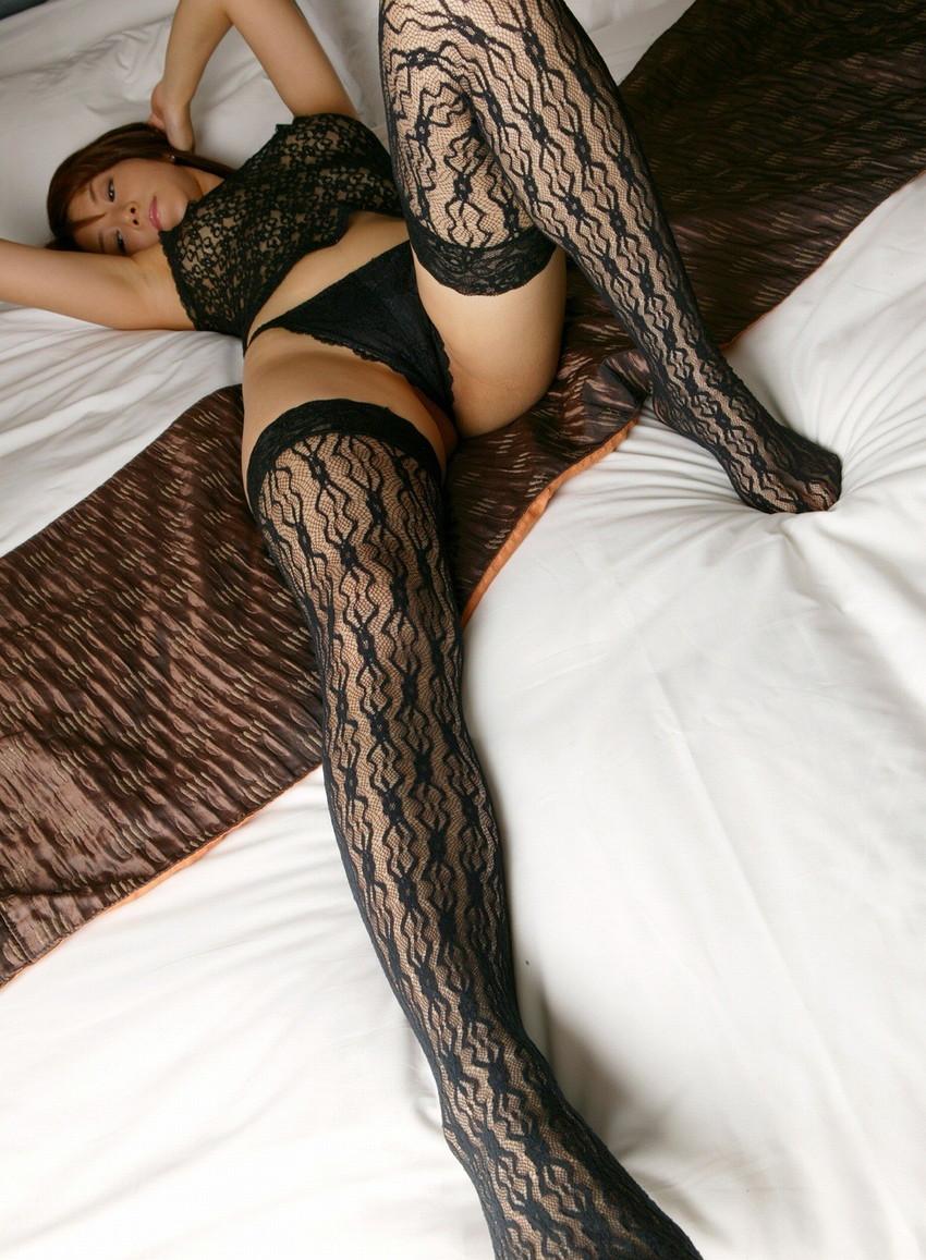 【柄タイツエロ画像】美脚をセクシーに際立てくれる模様入のタイツやパンストで誘惑してくれてる柄タイツのエロ画像集!ww【80枚】 25