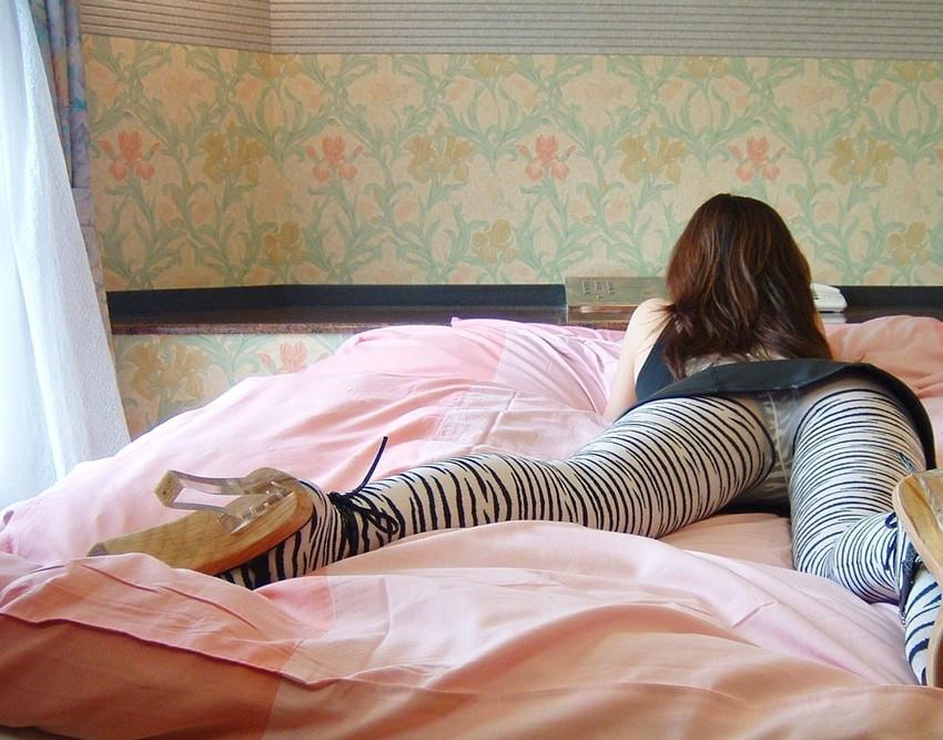 【柄タイツエロ画像】美脚をセクシーに際立てくれる模様入のタイツやパンストで誘惑してくれてる柄タイツのエロ画像集!ww【80枚】 68