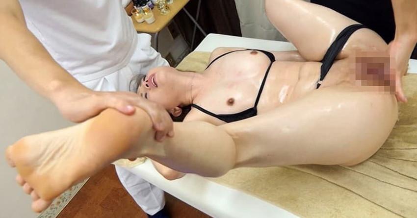 【エロマッサージエロ画像】OLや人妻にセクハラ整体し放題!ローション塗って乳首やクリを弄りまくるエロマッサージのエロ画像集!ww【80枚】 59