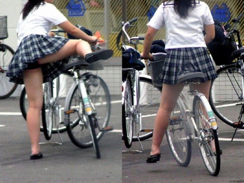 【チャリパンチラエロ画像】ヒラヒラスカートの自転車女子は要注意!走行中や停車中にパンチラした瞬間を盗撮したチャリパンチラのエロ画像集!ww【80枚】 73