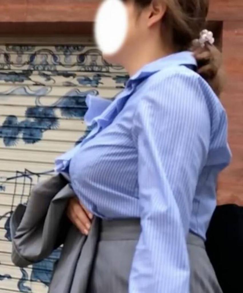 【巨乳盗撮エロ画像】デカパイ素人女子の着衣巨乳や胸チラを隠し撮りした巨乳盗撮のエロ画像集!ww【80枚】 35