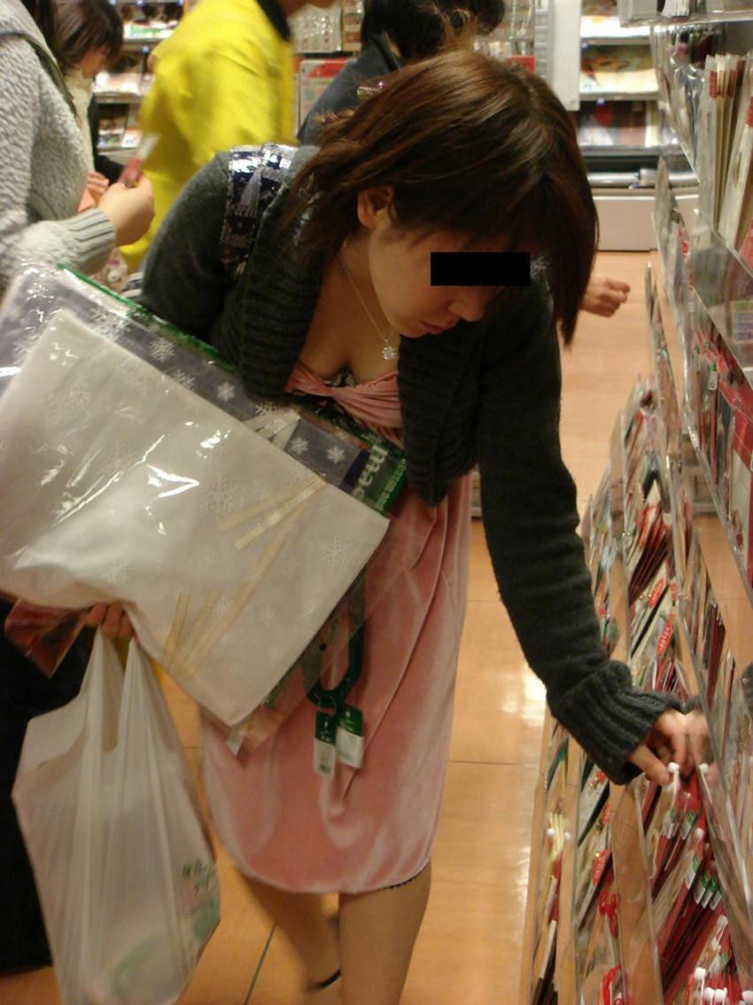 【巨乳盗撮エロ画像】デカパイ素人女子の着衣巨乳や胸チラを隠し撮りした巨乳盗撮のエロ画像集!ww【80枚】 60