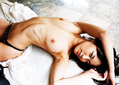 【美しいあばら骨エロ画像】スレンダー美女の浮かび上がるあばら骨がセクシー過ぎて舐めたくなる!美しいあばら骨のエロ画像集!ww【80枚】
