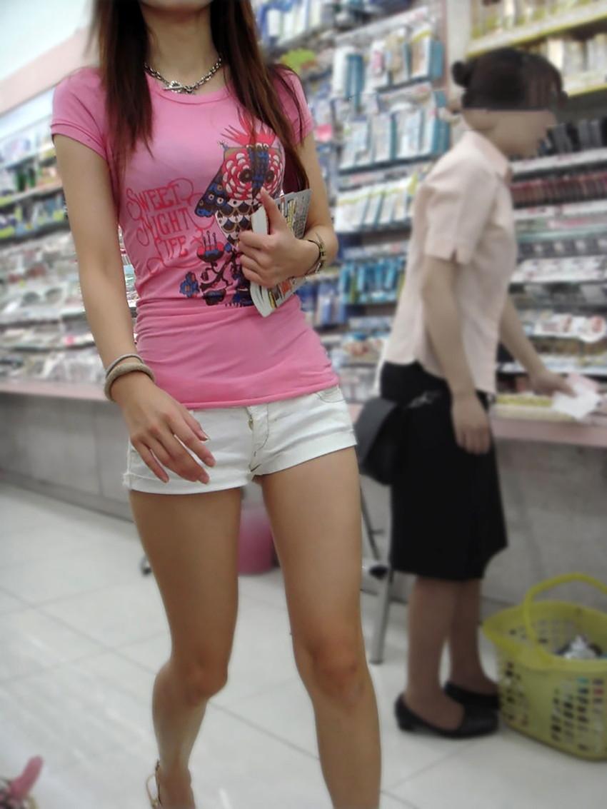【生足女子エロ画像】ムチムチの太ももやふくらはぎがエロ過ぎる!パンスト無しで勝負する10代や20代の生足女子のエロ画像集!w【80枚】 65