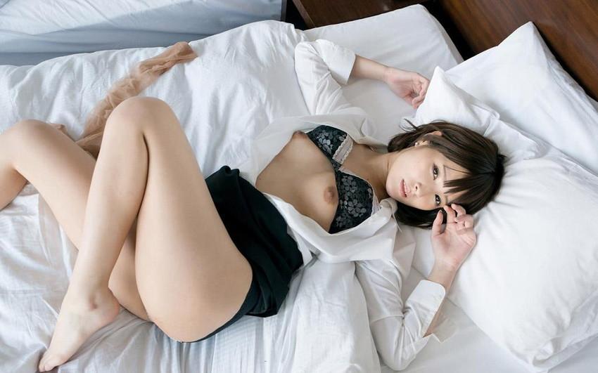 【スーツOLエロ画像】美人OLがお昼休みや外回り中にスーツのまま枕営業セックスしているスーツOLのエロ画像集!【80枚】 16