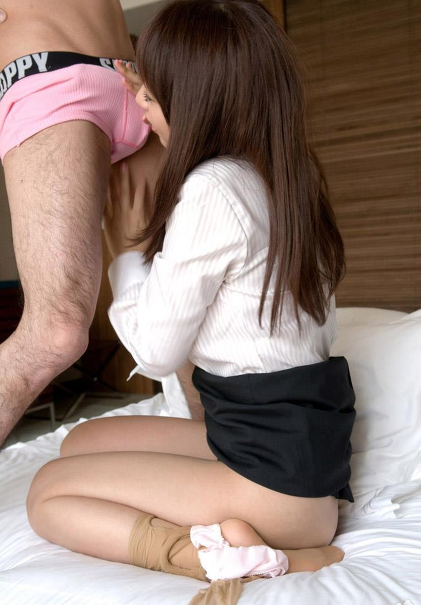 【スーツOLエロ画像】美人OLがお昼休みや外回り中にスーツのまま枕営業セックスしているスーツOLのエロ画像集!【80枚】 23