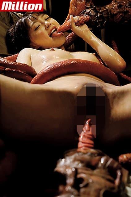 【触手エロ画像】大量の触手でイラマチオや二穴同時挿入されてる3次元美女が二次元美女に負けず劣らずエロい件ww【80枚】 38