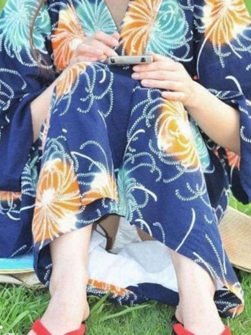 【浴衣エロ画像】風呂上がりの汗ばんだしっとりうなじや胸チラに興奮して脱がして寝取っちゃった浴衣美女のエロ画像集!ww【80枚】 76