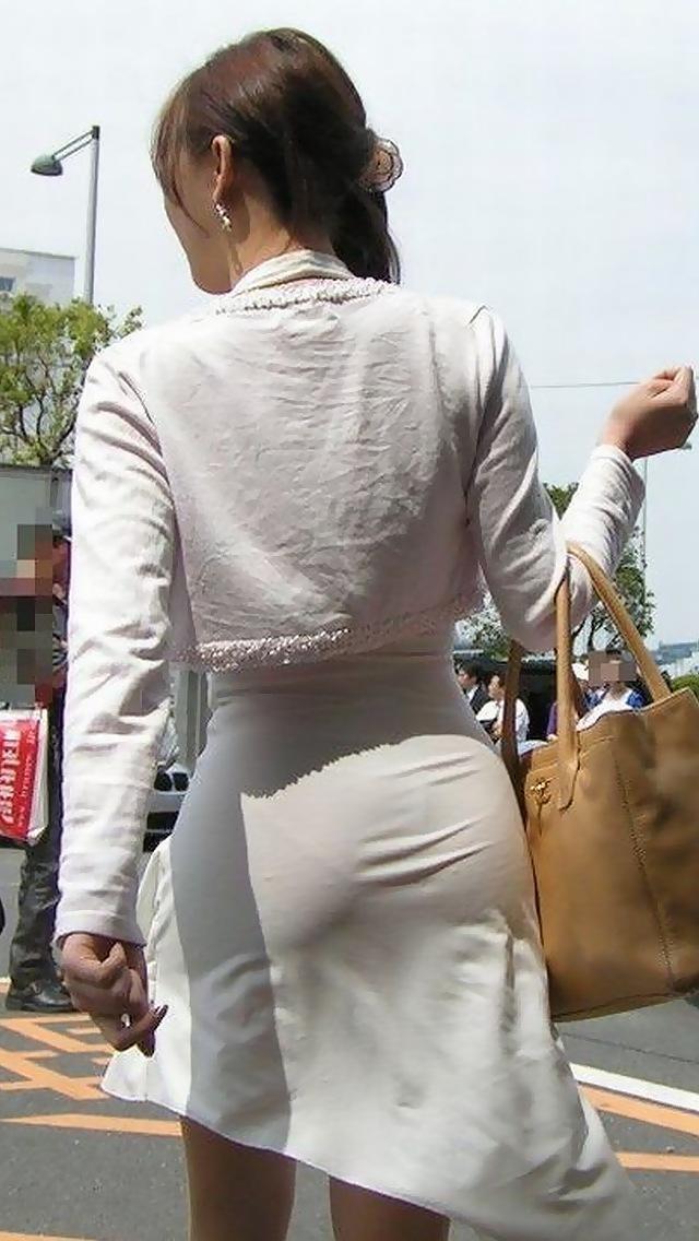 【タイトスカートエロ画像】OLや女教師、人妻たちのむっちりデカ尻を包み込み、パンティーラインが見え隠れするタイトスカートのエロ画像集!!【80枚】 46