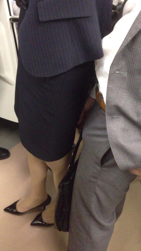 【電車エロ画像】満員電車内で何の罪もない美少女JKに痴漢したりOLにイラマチオしてレイプ挿入しちゃった電車のエロ画像集!ww【103枚】 55