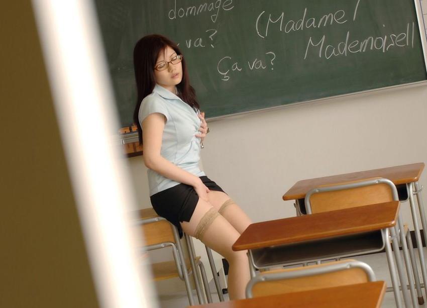 【放課後エロ画像】放課後の教室で痴女の女教師やJKとスリリングなフェラや調教挿入しちゃってる放課後のエロ画像集ww【80枚】 52