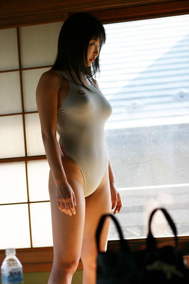 【ワンピース水着エロ画像】濡れてぴったりくっついたワンピース水着をゆっくり捲るプレイはビキニよりもエロい!ワンピース水着のエロ画像集ww【80枚】 75