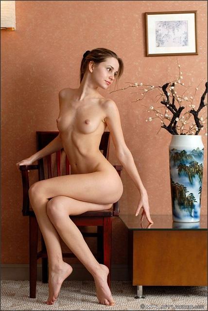 【ロシアン美女エロ画像】世界最高峰のブロンド美女の美巨乳やロリなまんすじがエロ過ぎるロシアン美女のエロ画像集ww【80枚】 76