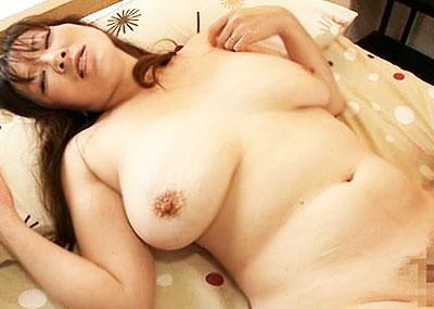 【垂れパイエロ画像】モチ吸うように乳首を吸いまくってやった豊満熟女の垂れパイエロ画像集ww【80枚】