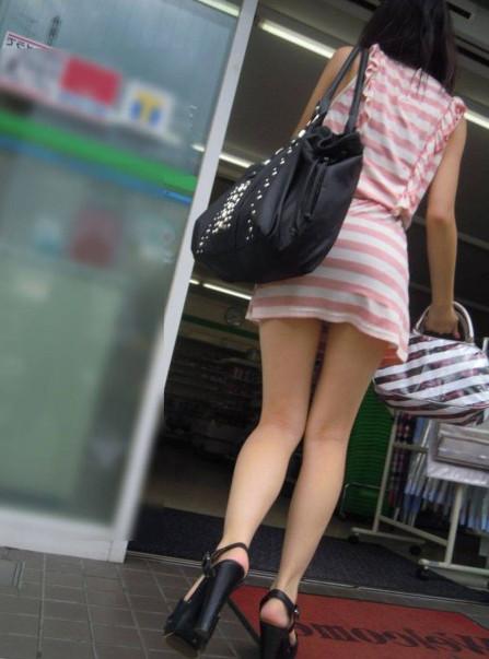 【ミニスカワンピエロ画像】カワイ過ぎるミニスカワンピ娘をパンチラ盗撮したり着衣セックスで寝取っちゃったミニスカワンピのエロ画像集ww【80枚】 50
