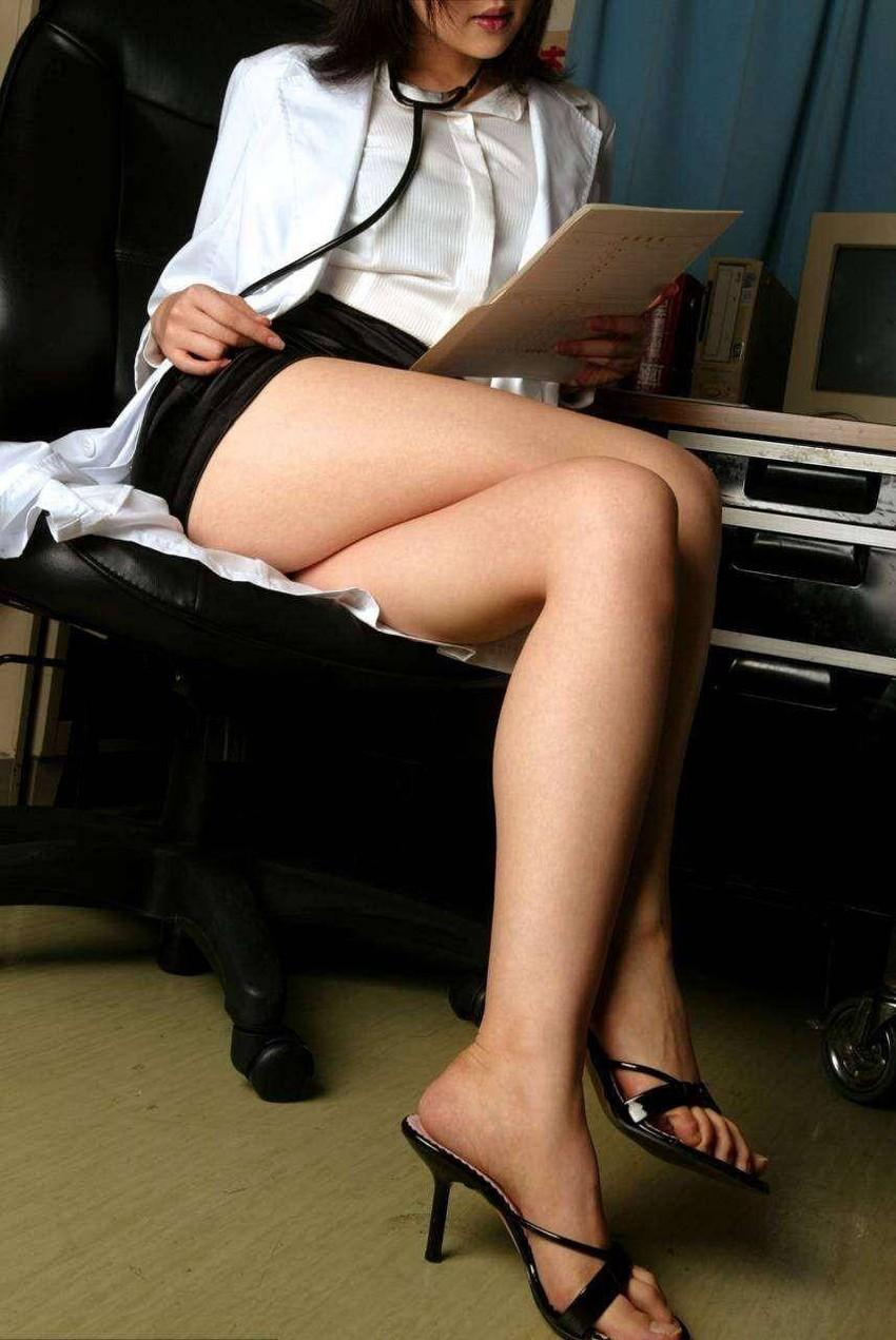 【女医エロ画像】病院行ったら痴女の女医に手コキやフェラから騎乗位挿入で釘打ちピストンされ逆レイプ診察されちゃった女医のエロ画像集ww【80枚】 31