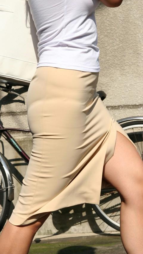 【スリットエロ画像】チャイナドレスやタイトミニのスリットから見える美脚太ももがエロ過ぎる!手を突っ込み着衣手マンしたくなるスリットのエロ画像集!w【80枚】 17