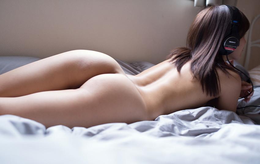 【美尻エロ画像】美尻の女性って美乳で美形な人が多い説は間違いない!四つん這いさせて顔面突っ込みアナルを舐めまくりたい美尻女性のエロ画像集ww【80枚】 17