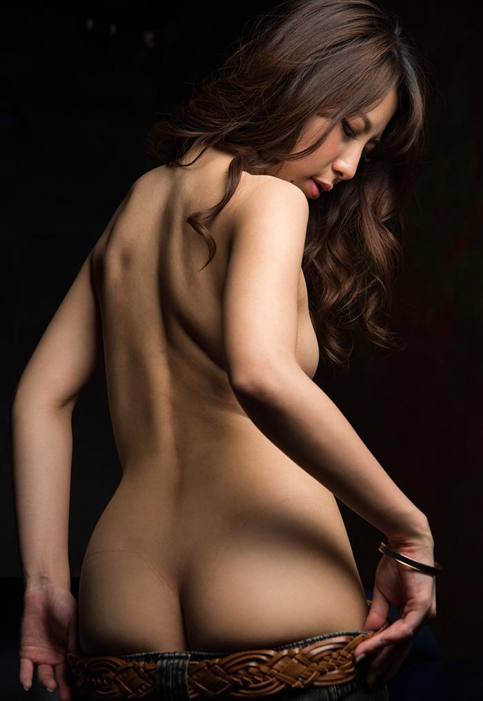【美尻エロ画像】美尻の女性って美乳で美形な人が多い説は間違いない!四つん這いさせて顔面突っ込みアナルを舐めまくりたい美尻女性のエロ画像集ww【80枚】 67